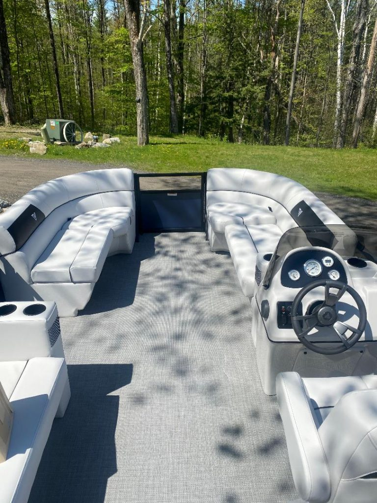 Pontoon Boats For Sale In The Berkshires, Pontoon Boat Dealers In The Berkshires, Pontoon Boats Berkshire County, Pontoon Boat Motors Berkshire, Pontoon Boat Dealers Pittsfield MA